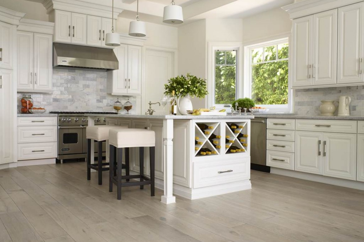 Choosing the Right Floor for Your Kitchen | Carpet Plus | Flooring ...